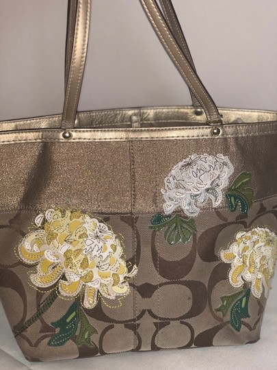 Coach Tote in brown and gold Image 4