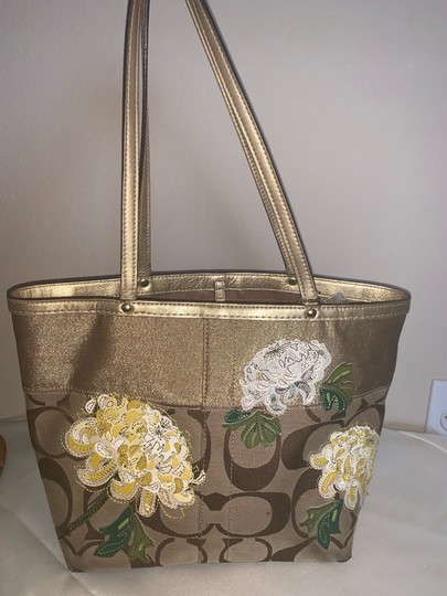 Coach Tote in brown and gold Image 5