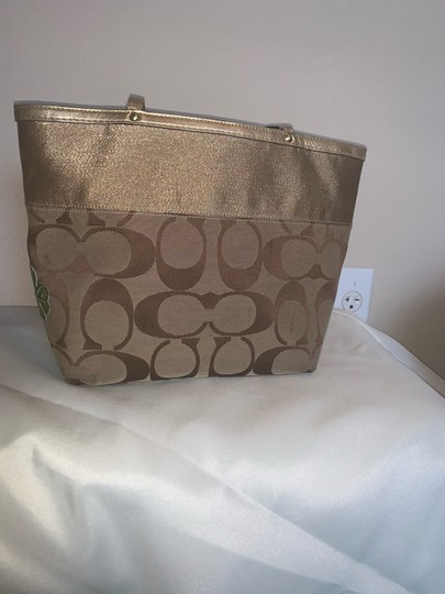 Coach Tote in brown and gold Image 6