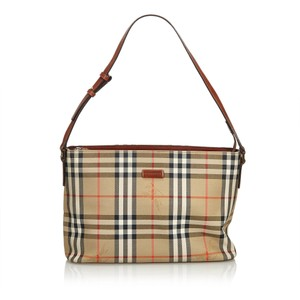 3dc6453f70c Burberry Bags and Purses on Sale - Up to 70% off at Tradesy (Page 50)