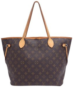 Louis Vuitton Shoulder Bags on Sale - Up to 70% off at Tradesy aebb6f423f1c1