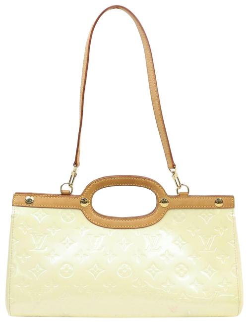 Item - Roxbury Drive Perle with Strap 2way 870344 Beige Patent Leather Shoulder Bag