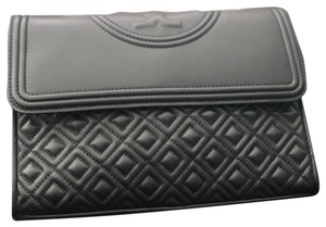 5f641cce2151a Tory Burch Fleming Quilted Black Leather Cross Body Bag - Tradesy