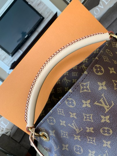 Louis Vuitton Totes Shoulder Bags Monogram Handbags Lv Hobo Bag Image 3