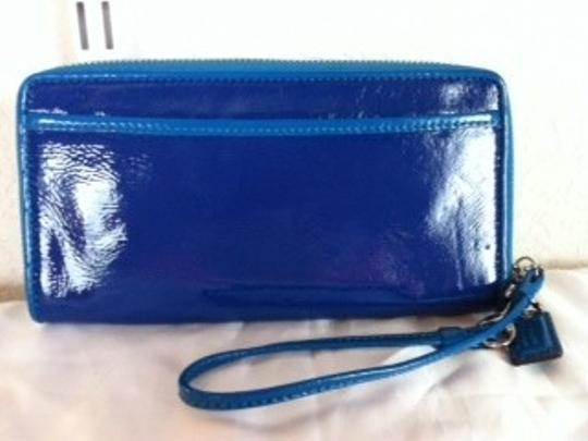 Coach Coach Poppy Blue Patent Leather Accordian Zip Wallet Wristlet