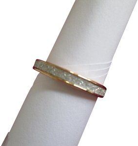 jcp New gold/white costume jewelry ring. Approx. size 5