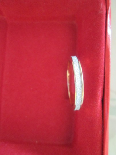 jcp New gold/white costume jewelry ring. Approx. size 5 Image 2
