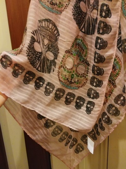 Other Large semisheer rose scarf with scalps print Image 1