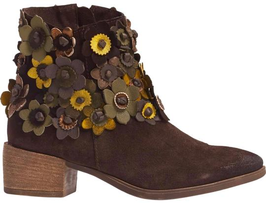 Preload https://img-static.tradesy.com/item/25079880/anthropologie-new-sunflower-brown-suede-sheridan-mia-3-d-flower-floral-asymmetric-bootsbooties-size-0-1-540-540.jpg
