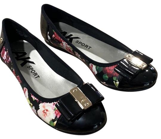 Preload https://img-static.tradesy.com/item/25080272/anne-klein-black-floral-aricia-flats-size-us-5-regular-m-b-0-1-540-540.jpg
