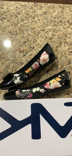 Anne Klein Aricia Black floral Flats Image 3