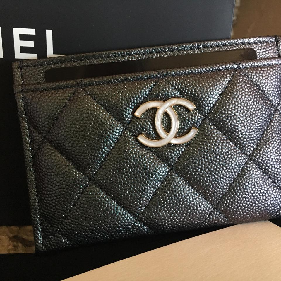 b80793562f54b0 Chanel Rare sold out unicorn Chanel 19S Black Iridescent Card Holder/ Case  Image 11. 123456789101112