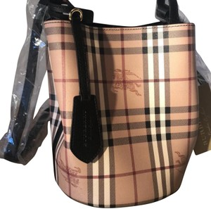 495c5840f Burberry Bags and Purses on Sale - Up to 70% off at Tradesy (Page 5)