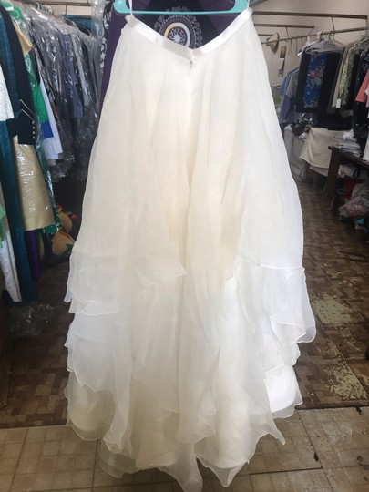 Watters Jarred Silk Layer Skirt Modern Wedding Dress Size 10 (M) Image 5