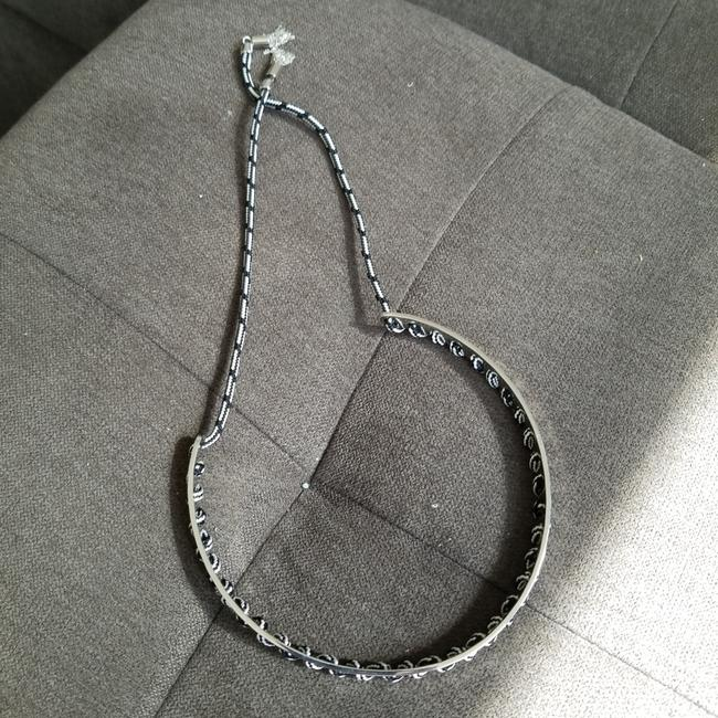 Item - Silver Rope Detail Cuff Necklace