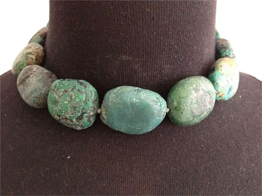 Preload https://img-static.tradesy.com/item/250878/kenneth-jay-lane-turquoise-vintage-gold-tone-s-clasp-necklace-0-0-540-540.jpg