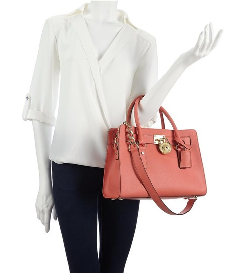 Michael Kors Mk Hamilton Hamilton Medium Saffiano Leather Mk Satchel in PINK GRAPEFRUIT/GOLD HARDWARE Image 2