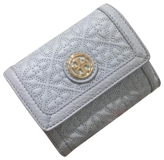 Preload https://img-static.tradesy.com/item/25090159/tory-burch-bryant-womens-mini-wallet-in-quilted-34031-408-iceberg-leather-clutch-0-1-540-540.jpg