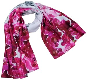 e299510e7de3f0 Ted Baker Scarves   Wraps - Up to 70% off at Tradesy