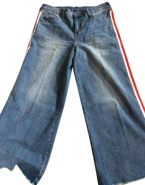 Item - Washed Denim with White and Red Stripes Light Wash Women Capri/Cropped Jeans Size 32 (8, M)