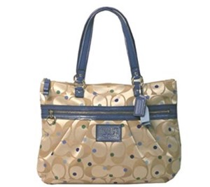 1af0175420535 Coach Totes - Up to 70% off at Tradesy