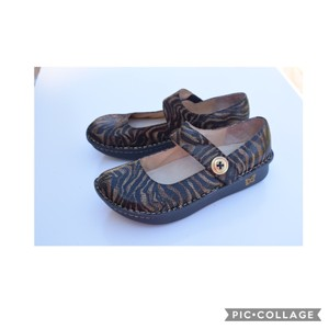 Alegria by PG Lite black & bronze Mules