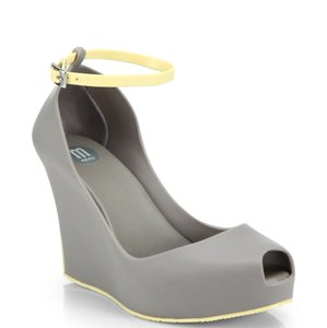 327c0fc0f6 Melissa Wedges Up to 90% off at Tradesy