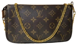 9f9586c0aeee Louis Vuitton Cross Body Bags - Up to 70% off at Tradesy