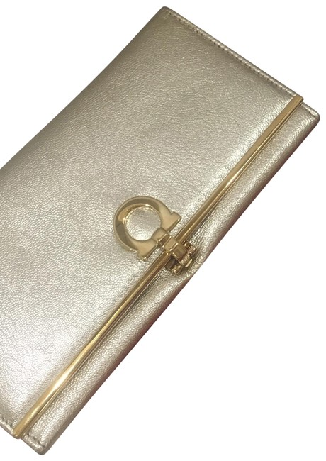 Item - Gold and Nude Inside 0634032 Wallet