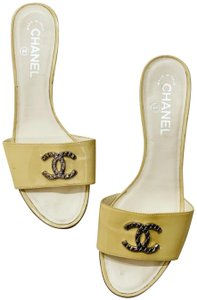 61937a8c5a434 Chanel Shoes on Sale - Up to 70% off at Tradesy