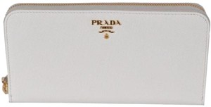 Prada Prada Portafoglio Lampo Latte Cream Saffiano Metal Leather Full Zip Wa