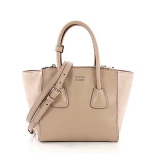 c8f405a6694d Prada Glace Collection - Up to 70% off at Tradesy (Page 2)