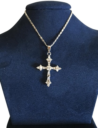 Preload https://img-static.tradesy.com/item/25100993/14k-white-gold-diamond-cross-necklace-0-2-540-540.jpg