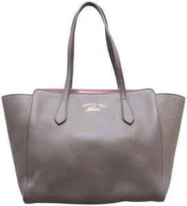 4826b80168f Gucci Swing Tote Bags - Up to 70% off at Tradesy