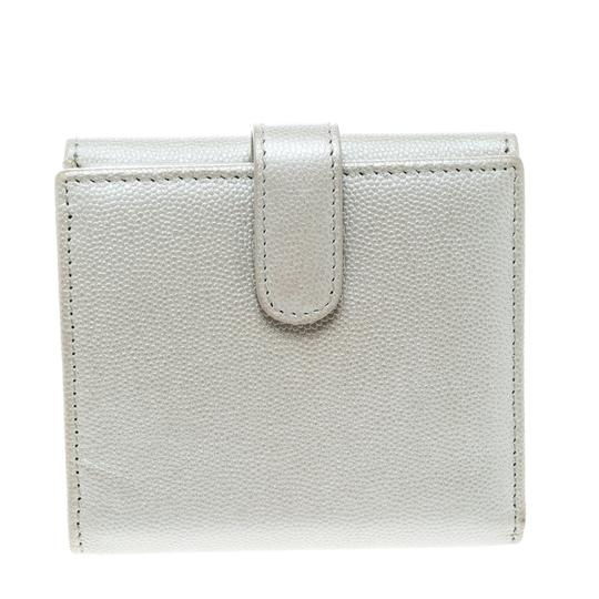 Chanel Pearl White Pebbled Leather Compact Wallet Image 1