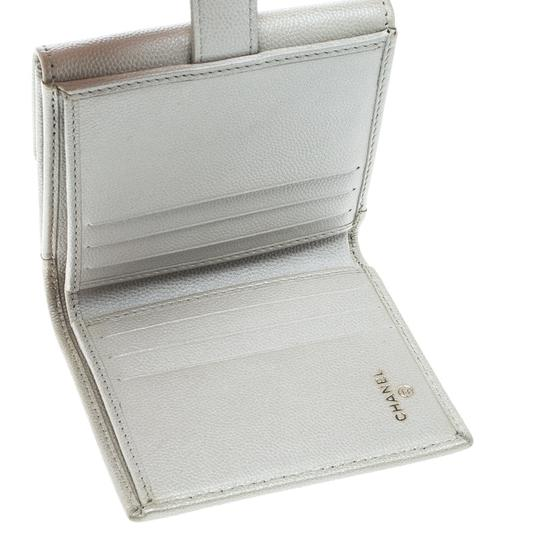 Chanel Pearl White Pebbled Leather Compact Wallet Image 3