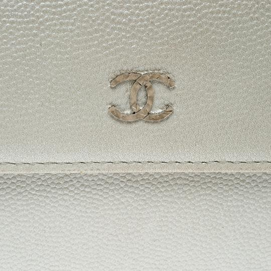 Chanel Pearl White Pebbled Leather Compact Wallet Image 5