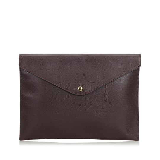 Preload https://img-static.tradesy.com/item/25101735/louis-vuitton-document-france-brown-cowhide-leather-clutch-0-0-540-540.jpg