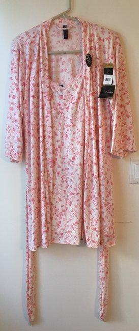 Marilyn Monroe Marilyn Monroe Woman's Pink Floral Chemise and Robe Set.Size L. New wi Image 5