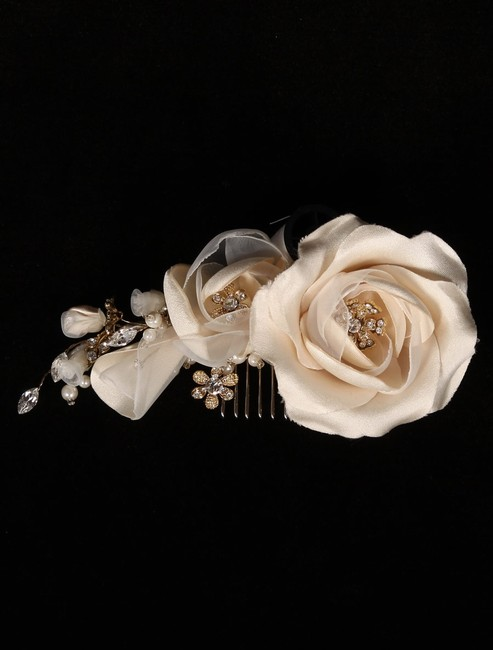 Item - Ivory and Gold 254-f Hair Accessory