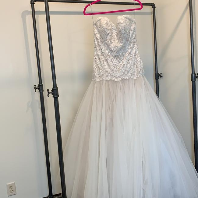 Item - Ivory/Nude Tulle and Lace Britt Traditional Wedding Dress Size 8 (M)