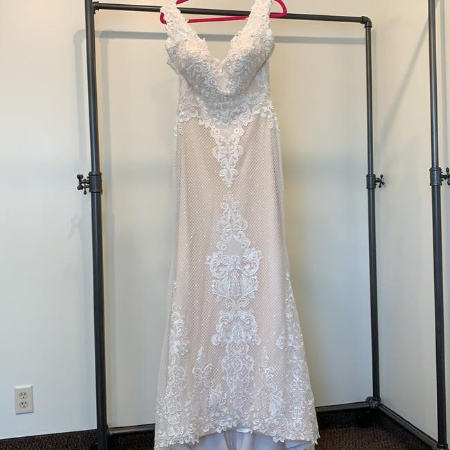 Item - Ivory/Nude Lace Ashley and Justin 10436 Traditional Wedding Dress Size 10 (M)