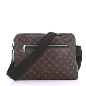 Louis Vuitton Mens Laptop Computer Briefcase Travel Cross Body Bag