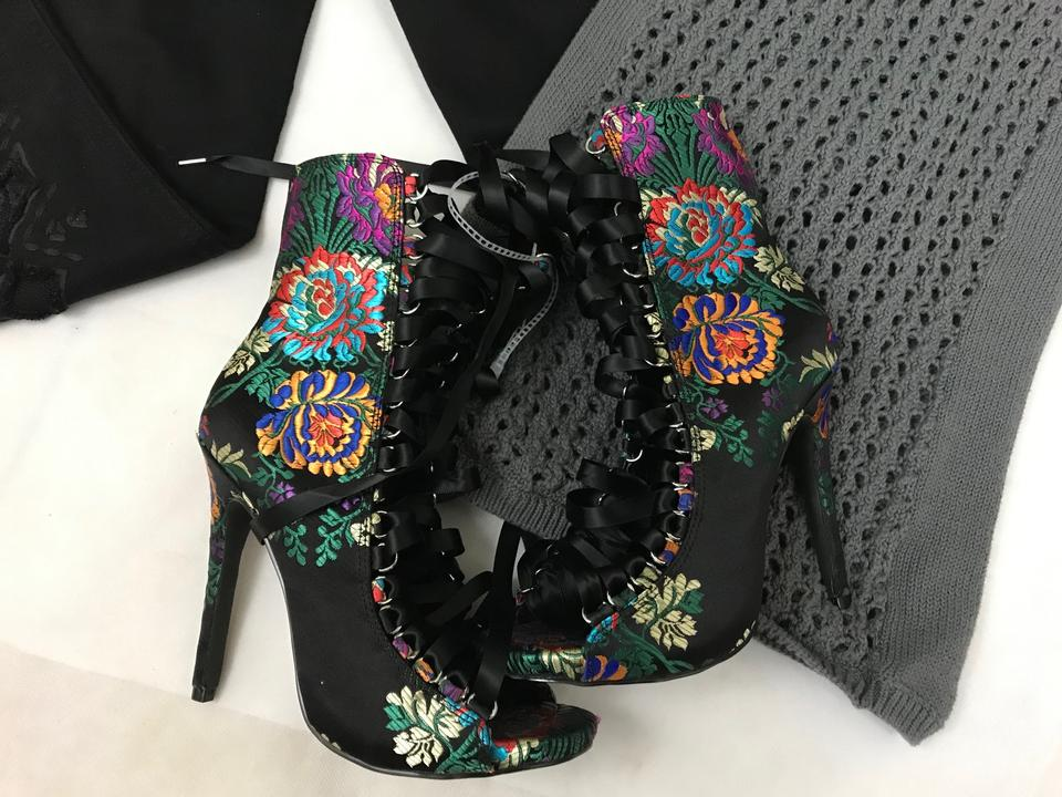 77093494733 Steve Madden Multi Colors Women's Black Fuego Brocade Floral 7m-nwt  Boots/Booties Size US 7 Regular (M, B) 55% off retail