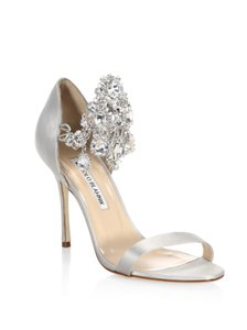 23b714a0495 Manolo Blahnik Shoes on Sale - Up to 70% off at Tradesy