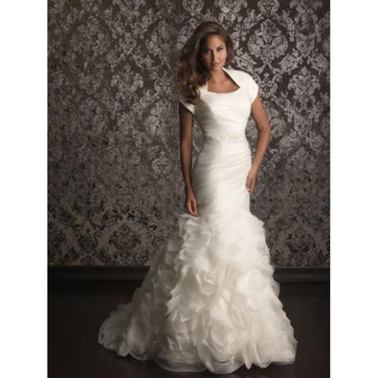 Allure Bridals Wedding Dresses: Allure Bridals White M492 Feminine Wedding Dress Size 4 (S