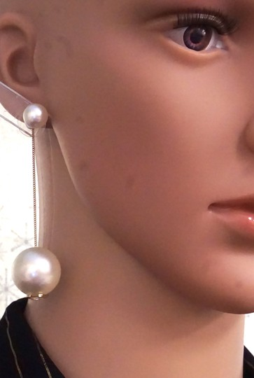 Chanel Ultra RARE CC pearls dangle pierced stud earrings. Look at my Mother of Pearl Yurman bangle in my closet and yes . put them together !! Image 1