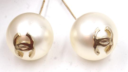 Chanel Ultra RARE CC pearls dangle pierced stud earrings. Look at my Mother of Pearl Yurman bangle in my closet and yes . put them together !! Image 3