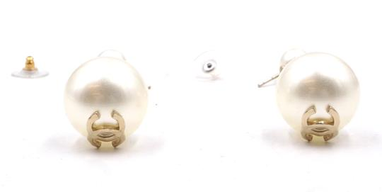 Chanel Ultra RARE CC pearls dangle pierced stud earrings. Look at my Mother of Pearl Yurman bangle in my closet and yes . put them together !! Image 6