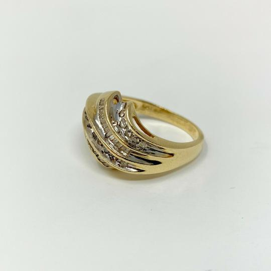Other 14k Yellow Gold .4ct Round and Baguette Cut Diamond Ring Size 9 Image 1
